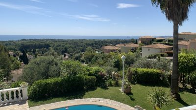 Beautiful Provencal villa , 4 bedrooms, pool, sea view in Villeneuve-loubet