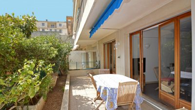 TWO-BEDROOM APARTMENT IN BEAULIEU SUR MER