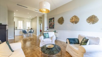 Beautiful three-bed Bourgeois apartment, terraces, Plage du Midi area in Cannes