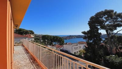 Three-bedroom apartment - panoramic views - Villefranche sur mer.