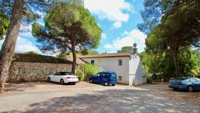 St.Raphaël - Valescure spacious (100m2) ground floor apartment + 2 x garage