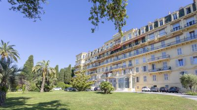 Unique Bourgeois-style apartment with sea view in Croix des Gardes, Cannes