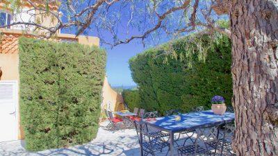 Saint Raphael, Antheor - Villa met appartement en separaat gastenhuis aan de Mediterranee en het Esterel gebergte