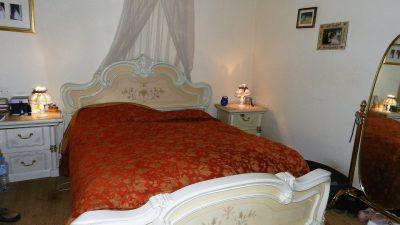 Maison de quatre chambres, appartement séparé, terrain plat à Lorgues