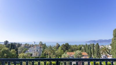 Duplex unique, de style bourgeois, vue mer, quartier Croix des Gardes à Cannes