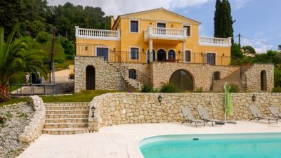 Large, well-constructed villa with garden, pool, jacuzzi & separate studio in La Colle sur Loup