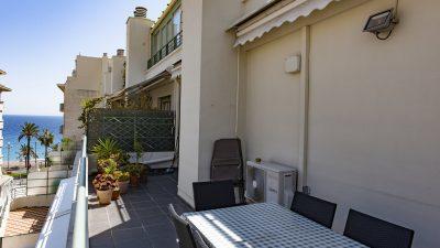 Trois pièces, terrasse vue mer/balcons, deux pas de la Promenade des Anglais, Nice