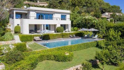 Belle villa contemporaine, vue mer panoramique sur les hauteurs de Golfe-Juan