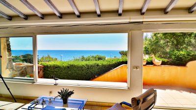 Villa unique, deux niveaux, piscine, vue panoramique mer et Estérel à Anthéor