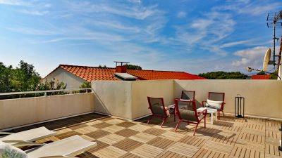 Top floor apartment, roof terrace, pools, in Boulouris St Raphaël