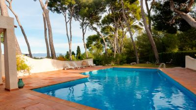 Large villa with sea view and pool on Cap d'Antibes