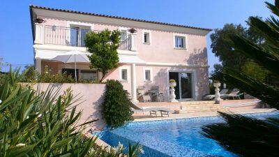 Large classic villa with lovely views closeto the beach, Les Issambres