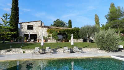 Beautiful stone property with pool on 1.5 hectares close to Fayence