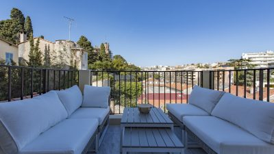 Beautiful 2-bed Bourgeois apartment, balcony, terrace, Plage du Midi area, Cannes
