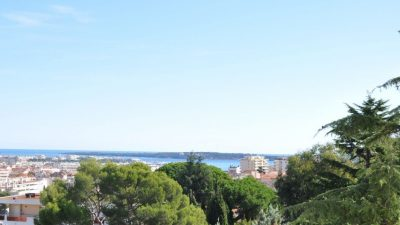 Exceptional apartment with seaview  in Belle Epoque building, Cannes