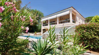 Saint Raphaël - Ruime Villa (ca. 300 m2) in residentiële woonomgeving