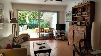 Lovely apartment with private garden in 150m from the sea, Antibes