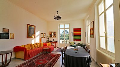 Luxurious three-bedroom apartment in historical villa in Saint-Raphaël