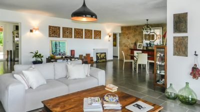 Villa aux beaux volumes, magnifiques vues, vaste sous-sol à Draguignan