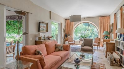Quality house with swimming pool, in quiet area in Plascassier