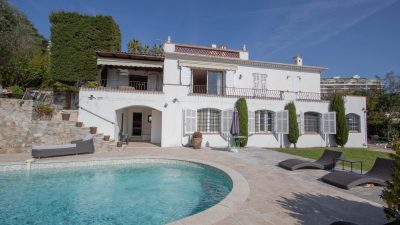 Charming three-storey villa, pool, panoramic views of the sea and the Lérins Islands in Cannes