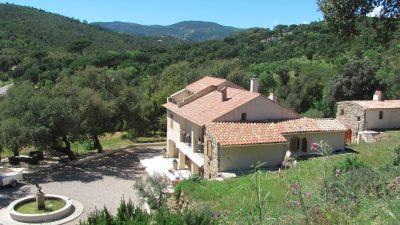 Sainte Maxime - Bergerie (ca.1800) with annex, garage and lots of privacy!
