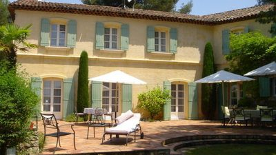 Lovely bastide aixoise close to Mougins village