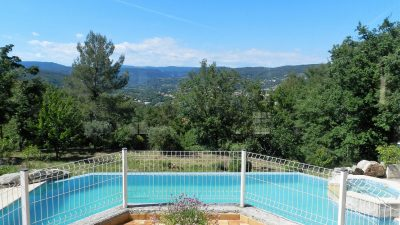 Vaste villa, belle vue et calme absolu à Draguignan