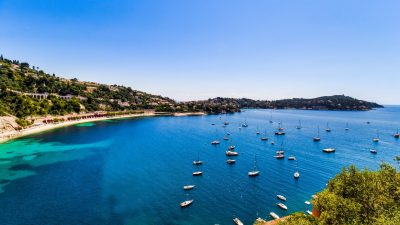 Property overlooking the sea and the old town of Villefranche sur mer